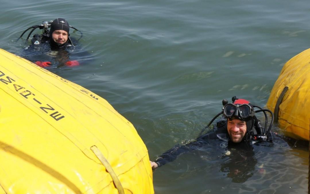 Montare baliza Mangalia 2013 realizata de Nemo Pro Diving