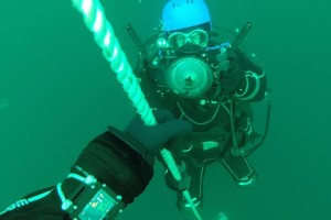 Montare senzor balize cu nava Mare Nigrum in Marea Neagra - Nemo Pro Diving 003