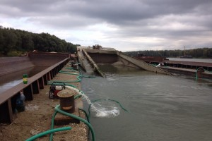 ramfulare barja pe canalul Dunare-Marea Neagra la Cochirleni - Nemo Pro Diving 001