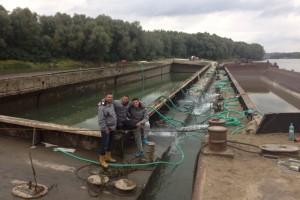 ramfulare barja pe canalul Dunare-Marea Neagra la Cochirleni - Nemo Pro Diving 205