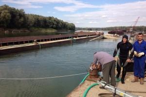 ramfulare barja pe canalul Dunare-Marea Neagra la Cochirleni - Nemo Pro Diving 210
