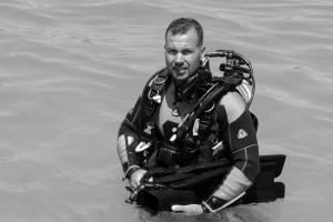 recuperare pescador scufundat Costinesti 2013 - Nemo Pro Diving 005